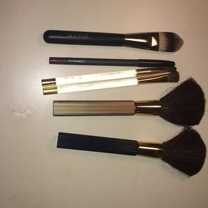 Bundle of brushes and one lipliner